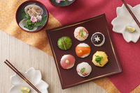 手毬寿司 10909000478| 写真素材・ストックフォト・画像・イラスト素材|アマナイメージズ
