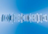 水面に映る未来都市 10913000014| 写真素材・ストックフォト・画像・イラスト素材|アマナイメージズ