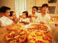 ホームパーティー 11000002462| 写真素材・ストックフォト・画像・イラスト素材|アマナイメージズ