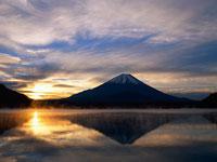 富士山/精進湖 11000007558| 写真素材・ストックフォト・画像・イラスト素材|アマナイメージズ