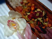 花とハーブ 11000009334| 写真素材・ストックフォト・画像・イラスト素材|アマナイメージズ