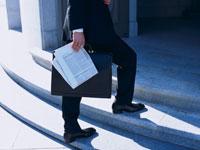 歩くビジネスマン 11000009484| 写真素材・ストックフォト・画像・イラスト素材|アマナイメージズ