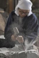 狛犬作り 11000016458| 写真素材・ストックフォト・画像・イラスト素材|アマナイメージズ