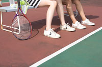 テニスコートの女性 11000017167| 写真素材・ストックフォト・画像・イラスト素材|アマナイメージズ