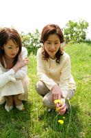 母親と娘 11000019116  写真素材・ストックフォト・画像・イラスト素材 アマナイメージズ
