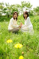 母親と娘 11000019117  写真素材・ストックフォト・画像・イラスト素材 アマナイメージズ