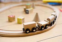 リビングの木製おもちゃ 11000044132| 写真素材・ストックフォト・画像・イラスト素材|アマナイメージズ