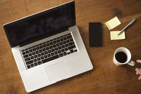Wireless devices reduce workspace clutter