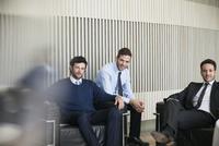 Business professionals, portrait 11001065631| 写真素材・ストックフォト・画像・イラスト素材|アマナイメージズ