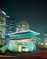 ソウル南大門 11002015062| 写真素材・ストックフォト・画像・イラスト素材|アマナイメージズ