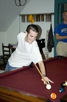 ビリヤードをする男性 11002028095| 写真素材・ストックフォト・画像・イラスト素材|アマナイメージズ
