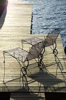 湖畔の椅子