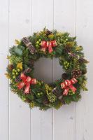 クリスマスイメージ リース 11002049565| 写真素材・ストックフォト・画像・イラスト素材|アマナイメージズ