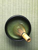 青畳の上の抹茶