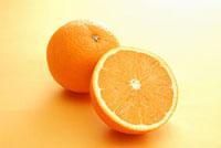 オレンジの輪切り 11002053042| 写真素材・ストックフォト・画像・イラスト素材|アマナイメージズ