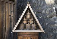 馬籠宿の水桶と樽