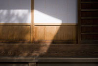 縁側の障子 11002053312| 写真素材・ストックフォト・画像・イラスト素材|アマナイメージズ