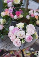パリの花屋の店先 11002053366| 写真素材・ストックフォト・画像・イラスト素材|アマナイメージズ