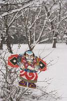 雪原と凧 11002053584| 写真素材・ストックフォト・画像・イラスト素材|アマナイメージズ