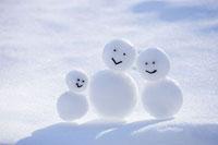 雪だるま 11002054413| 写真素材・ストックフォト・画像・イラスト素材|アマナイメージズ