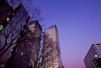 晴海3丁目付近の夕景 11002054526| 写真素材・ストックフォト・画像・イラスト素材|アマナイメージズ