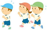 マラソンをする子ども達