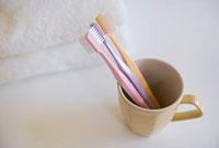 マグカップの中の歯ブラシ