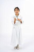 看護服を着た女の子