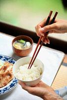 豚肉の生姜焼き 11002055759| 写真素材・ストックフォト・画像・イラスト素材|アマナイメージズ