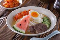 盛岡冷麺 11002055899| 写真素材・ストックフォト・画像・イラスト素材|アマナイメージズ