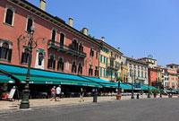 ヴェローナ ブラ広場