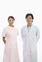 歯科医師と歯科助手 11002056647| 写真素材・ストックフォト・画像・イラスト素材|アマナイメージズ
