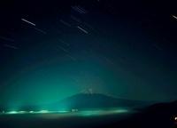 高座山からの星と富士山