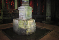 イスタンブル地下宮殿 11002064708| 写真素材・ストックフォト・画像・イラスト素材|アマナイメージズ