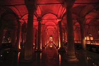イスタンブル地下宮殿 11002064709| 写真素材・ストックフォト・画像・イラスト素材|アマナイメージズ