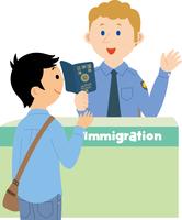 入国審査を受ける若い男性 11002067736| 写真素材・ストックフォト・画像・イラスト素材|アマナイメージズ
