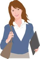 バッグとノートパソコンを持つ若い女性