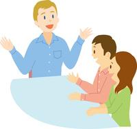 欧米系男性に外国語を習う日本人男女
