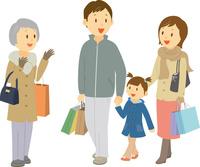 ショッピングをする三世代家族 11002068950| 写真素材・ストックフォト・画像・イラスト素材|アマナイメージズ
