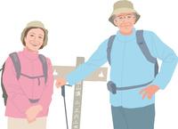 ハイキングをするアクティブシニアカップル 11002069202  写真素材・ストックフォト・画像・イラスト素材 アマナイメージズ