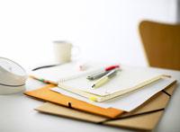 ノートとペン 11004007809| 写真素材・ストックフォト・画像・イラスト素材|アマナイメージズ