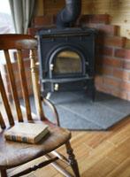 椅子の上の本