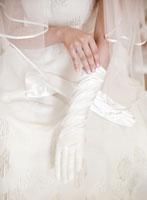 花嫁衣裳(白手袋)