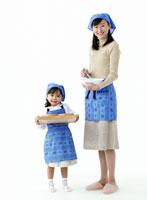笑顔の日本人の親子