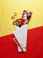 お正月の縁起物 11004022941| 写真素材・ストックフォト・画像・イラスト素材|アマナイメージズ