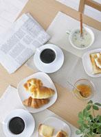 テーブルの上の朝食