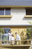 日本人の家族 11004031894| 写真素材・ストックフォト・画像・イラスト素材|アマナイメージズ