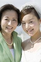新婦と母親