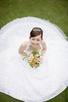 花嫁の広がるドレス