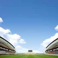 青空とスタジアム